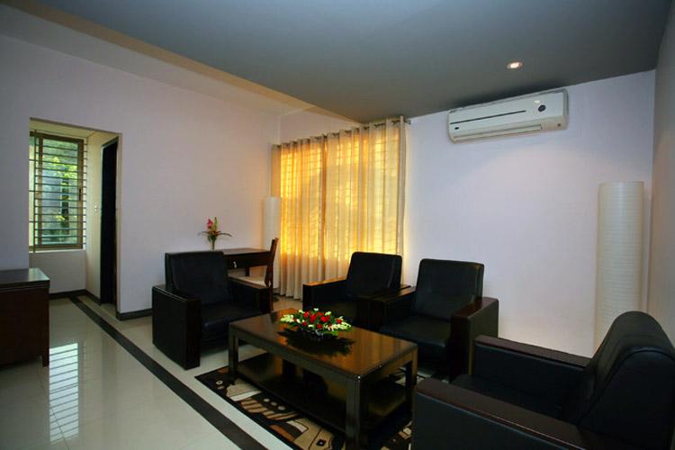 Executive Suite Sitting